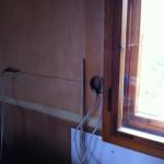 Hier kommt der Lichtschalter für das Treppenhaus